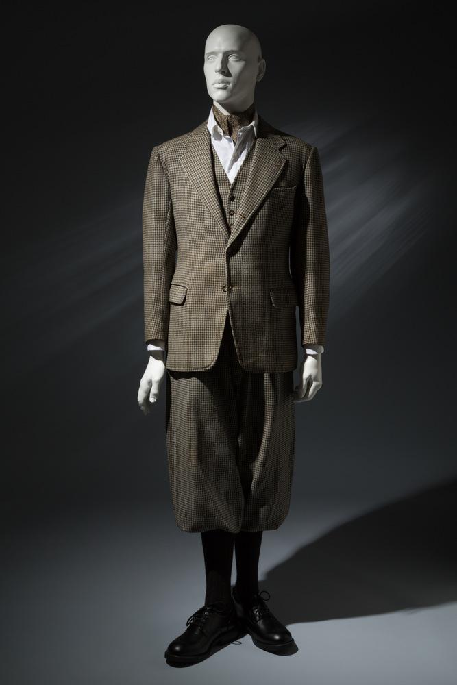Man's 3-piece walking suit by Anderson & Sheppard, 1935.