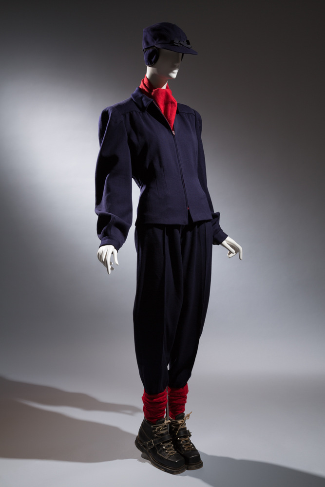 Ski Togs, Sak's Fifth Avenue Woman's ski ensemble Circa 1935, USA The Museum at FIT, 96.69.38 Gift of The Dorothea Stephens Wiman Collection