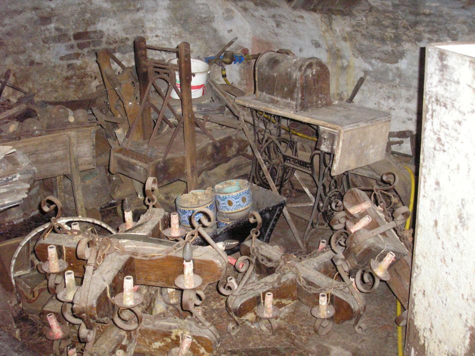 De verzameling van Geerkens werd in 2008 overgenomen door de gemeente Kinrooi, maar werd in slechte staat teruggevonden op zolders en in kelders © Mieke Van Eenoo