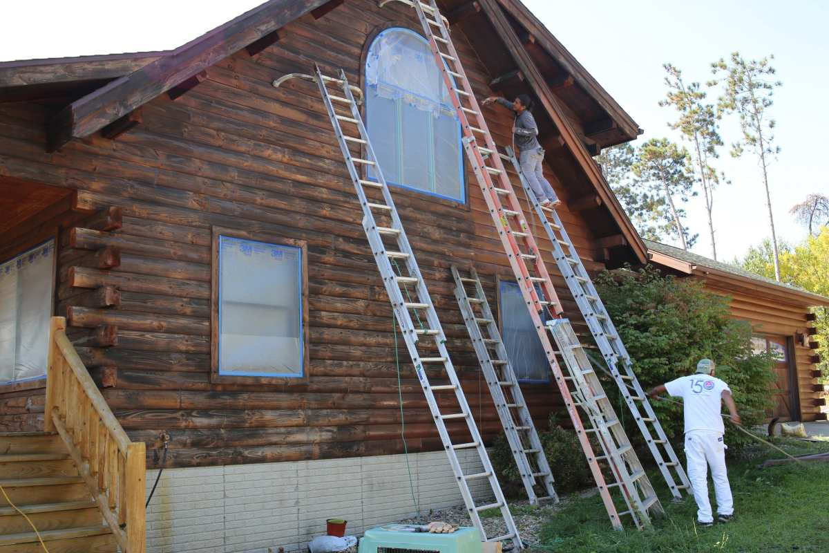 Log Cabin Staining in Manito
