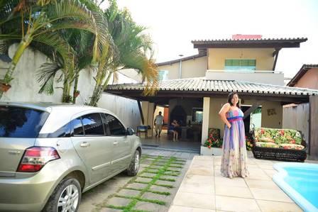 Ex-BBB Mara na casa que comprou, no sul Bahia