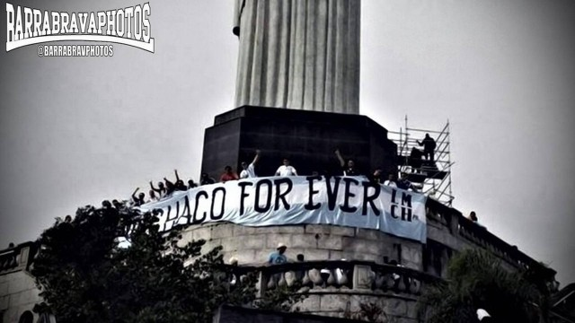 Barra brava do Clube Atlético Chaco For Ever no Cristo Redentor