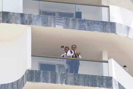 Homem mantém mensageiro de hotel refém em Brasí lia