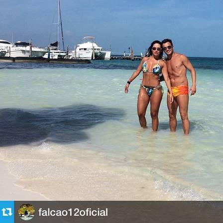 Tatiana e Falcão aproveitaram as férias românticas em Cancún, no México