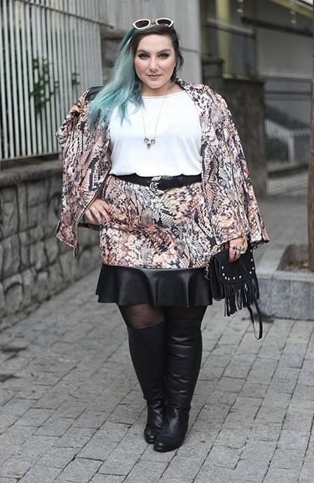 Jornalista posta fotos de looks plus size em blog
