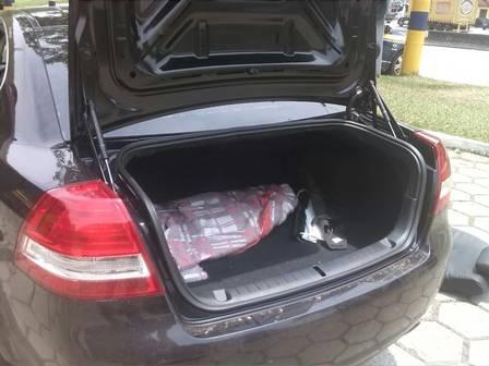 Armas estavam em um fundo falso, dentro do carro