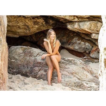 Dixie Pratt, ex-namorada de Romário, fez ensaio sensual