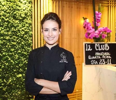 Heaven é chef de cozinha do Le Club