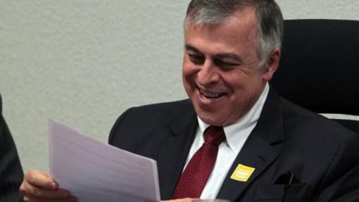 Paulo Roberto Costa durante depoimento na Comissão Parlamentar de Inquérito da Petrobras, em Brasília (10/06/2014)