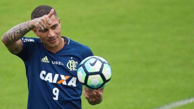 Guerrero pode deixar o Flamengo, segundo jornal