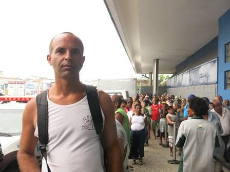 Walber Ferreira Pinto caminhou da Central até Bonsucesso.