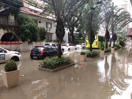 Rua Presidente Backer, perto da Roberto Silveira