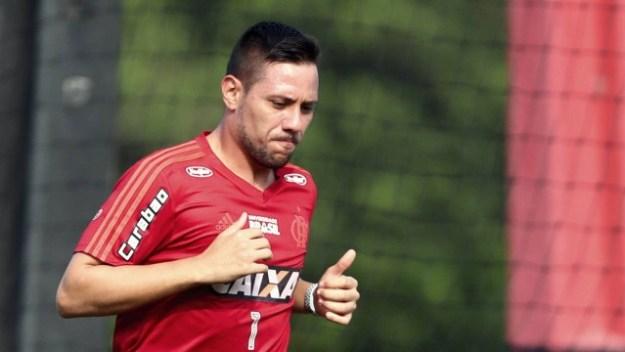 Diego Alves se machucou no treinamento desta terça-feira