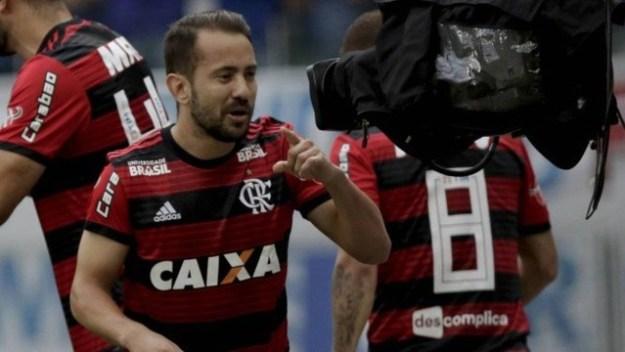 Everton comentou sobre o técnico na festa de encerramento do Campeonato Brasileiro