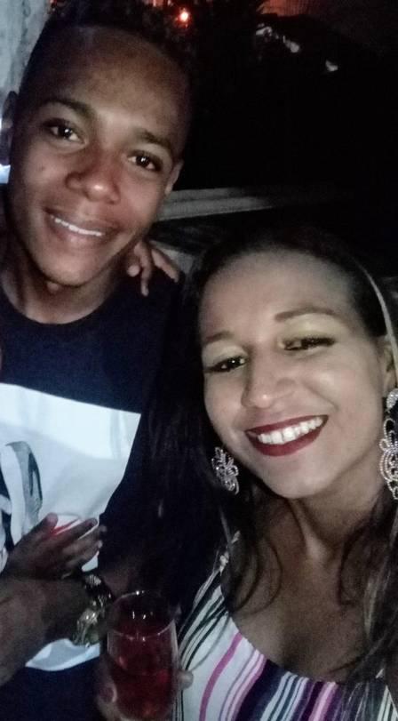 Lucas e a mãe: luta contra o câncer