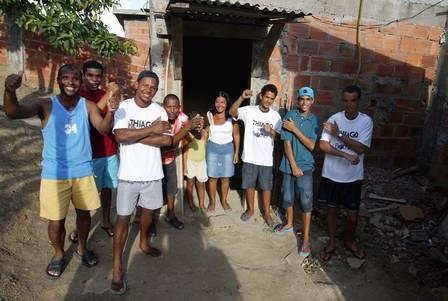 A casa de tijolo em São Gonçalo (RJ) onde Thiago morava antes do 'BBB'