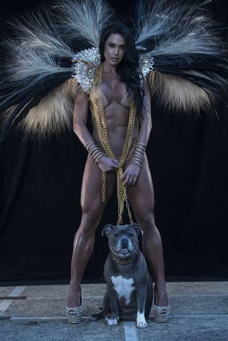Gracyanne Barbosa diz que fica chateada com falta de rainhas nos ensaios