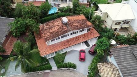 Casa de Ronnie Lessa, sargento da PM reformado, suspeito de ter atirado na vereadora, na Barra da Tjuca. Foto no condomínio Vivendas da Barra