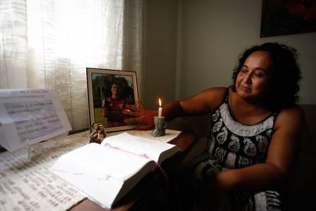 Marília Barros um dia após a morte de Arthur, data do aniversário de 15 anos dele