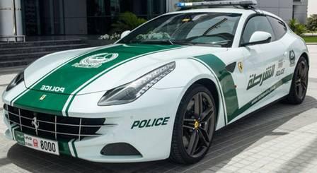 Ferrari FF, da polícia de Dubai: R$ 1,6 milhão