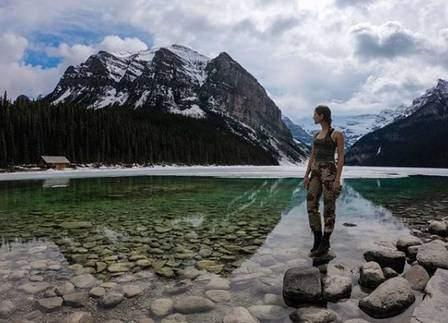 Lexie em Lake Louise (Canadá)
