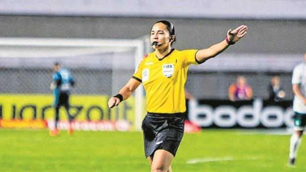 Após apitar a Série A, Edina Alves estará no Mundial feminino