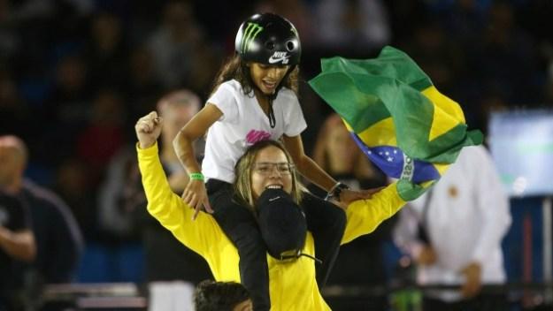 Pamela Rosa e Rayssa Leal festejam ouro e prata no Mundial de skate street: brasileiras são favoritas à medalha olímpica