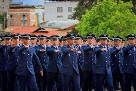A Escola Preparatória de Cadetes do Ar fica em Barbacena (MG)