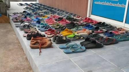 Na Tailândia, pares de chinelos furtados por fetiche