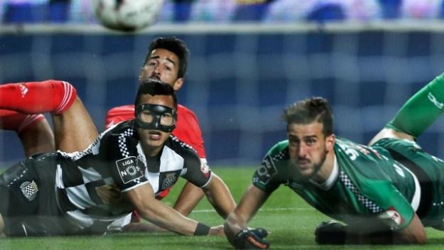 Helton Leite é goleiro do Boavista e falhou justamente contra o Benfica, que estaria perto de contratá-lo