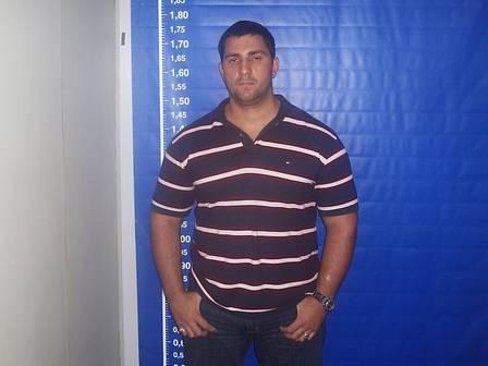 Adriano Magalhães da Nóbrega foi morto em troca de tiros com a PM na Bahia.