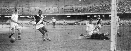 Pelé 80 anos: quando o Rei do Futebol jogou por Flamengo, Fluminense e Vasco