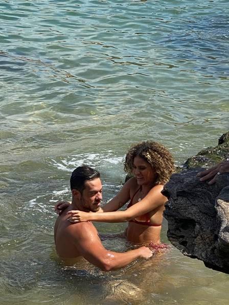 Laura Fernandes e Gabriel Maqui gravam clipe