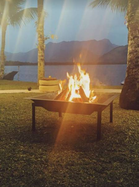 A fogueira no casamento de Sasha Meneghel
