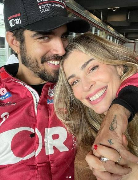 Caio Castro and Grazi Massafera in the last race in which she was with the actor, in July
