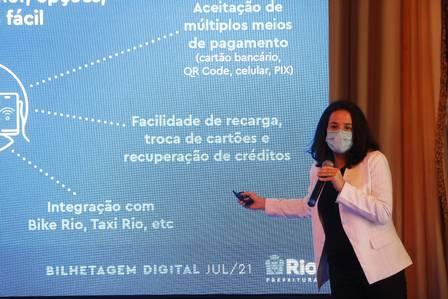 A secretária municipal de Transportes do Rio, Maína Celidonio