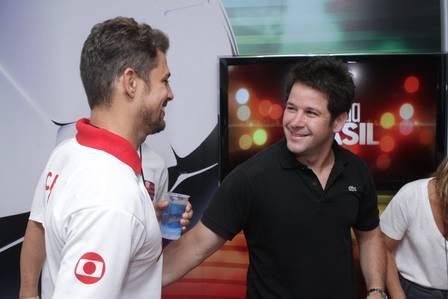 Cauã Reymond e Murilo Benício participam de campanha para paz nos estádios