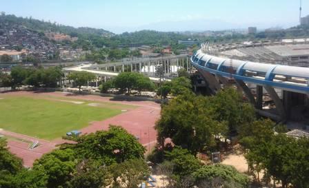 Em fotografia de janeiro de 2012, as árvores no entorno do Maracanã e do estádio de atletismo Cpelio de Barros