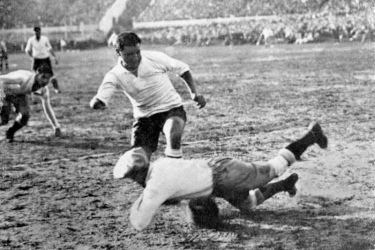 Héctor Manco Castro pelo Uruguai