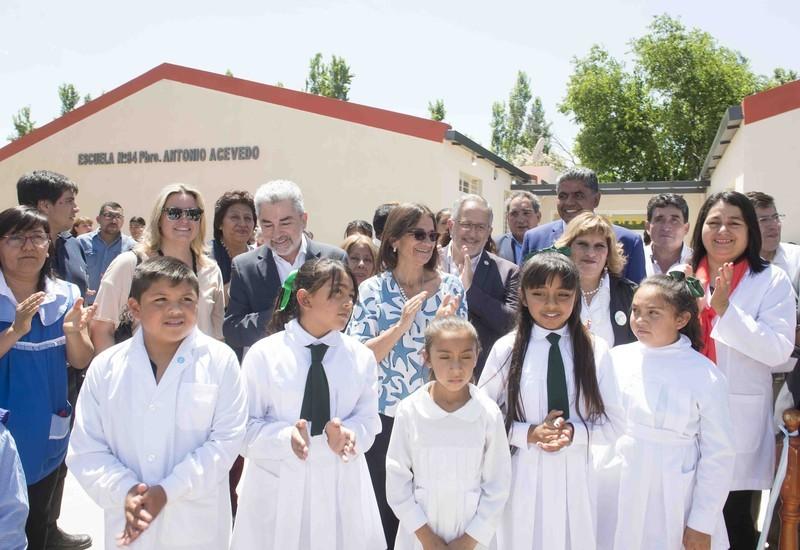 Lucía inauguró obras y entregó viviendas en Belén