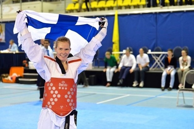 Suvi Mikkonen edusti Suomea myös Lontoon Olympiakisoissa sijoittuen 5:lle sijalle.