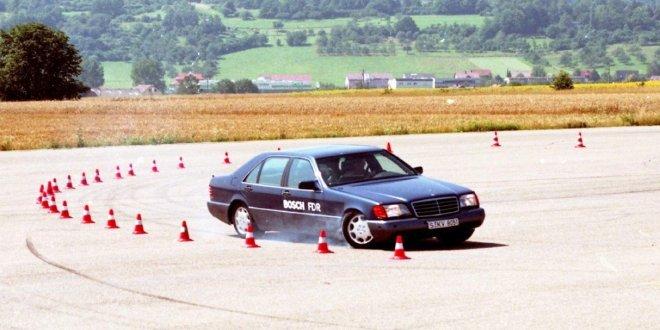 Ajonvakautusjärjestelmä 25 vuotta – ESP oli liikenneturvallisuuden läpimurto