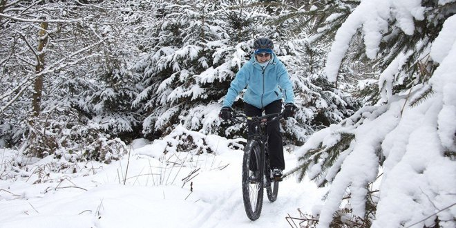 Pyöräteiden talvikunnossapito pitäisi sopeuttaa säätiloihin