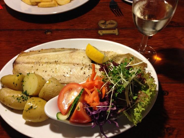 Wonderful food and fresh fish.