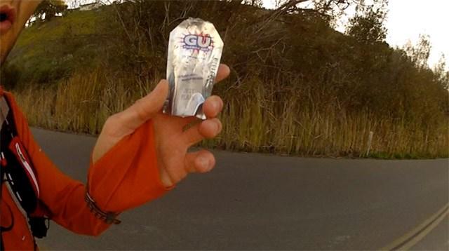 GU gels, plain flavor for marathon nutrition