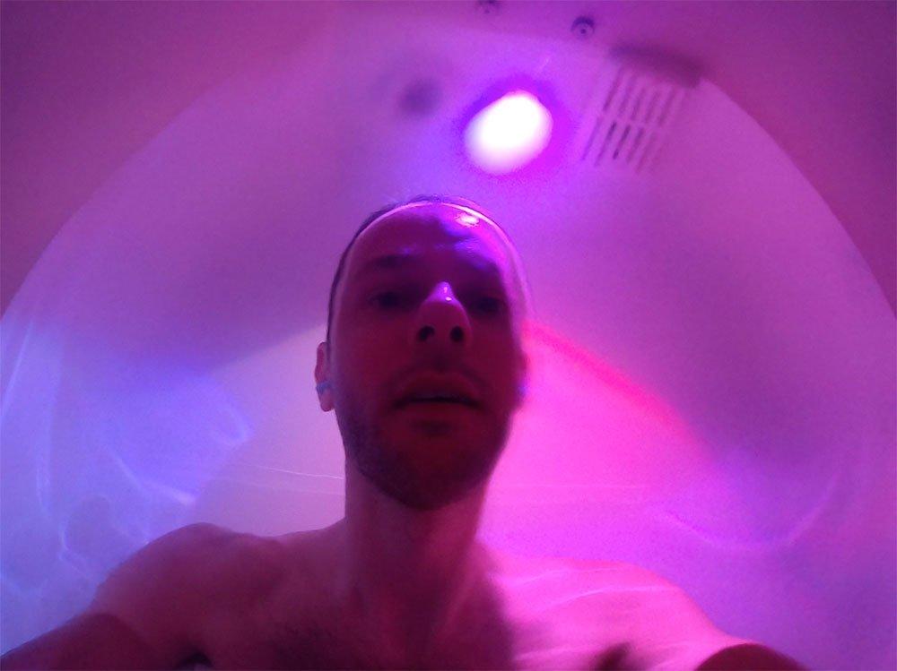 Floris Gierman floating in a sensory tank