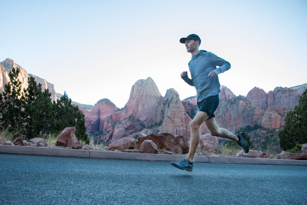 Floris Gierman running in Zion National Park