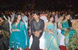 Varalakshmi with father  Sarathkumar and meena at Filmfare Awards Function
