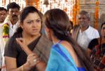 Kushboo and Nayanthara in Kuselan