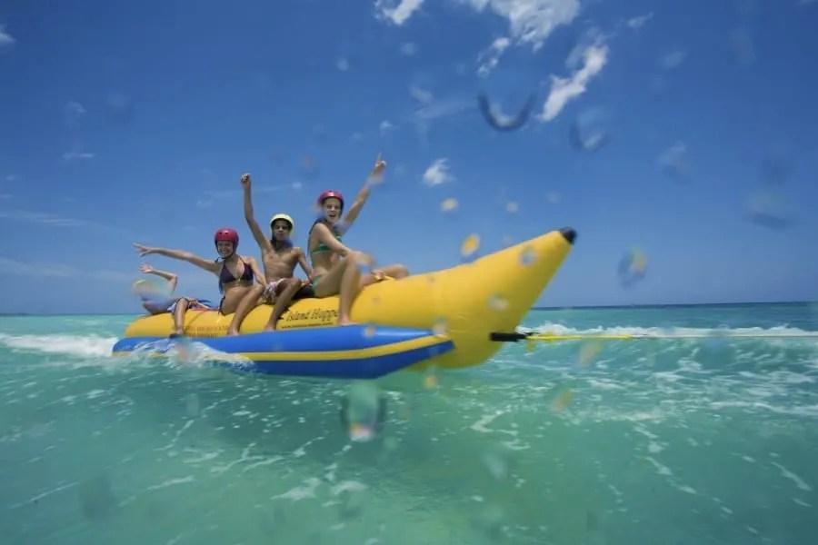 [HQ]_Beachesactivites_bananaboat